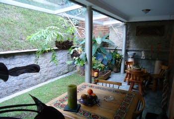 Casa En Loma de Atravesado, Envigado, cuenta con tres habitaciones