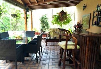 Casa En La Loma del Escobero - Envigado, cuenta con tres habitaciones