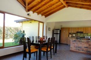 Casa en Rionegro-Llanogrande, con 4 Habitaciones - 340 mt2.