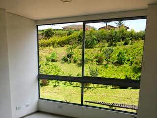 Una ventana en una habitación con una ventana en No aplica