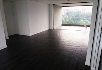 Apartamento en Los Balsos, El Poblado - 220mt, tres alcobas, balcón