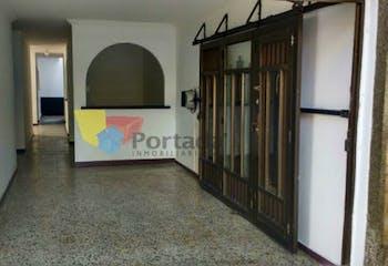 Casa en Lorena, Laureles - 115mt, tres alcobas, garaje