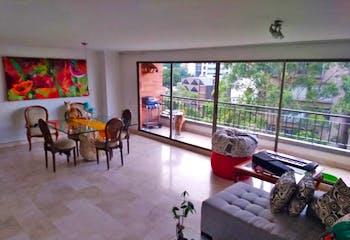 Apartamento en Lalinde, Poblado - 154mt, tres alcobas, balcón