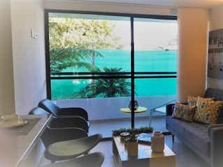 Una sala de estar llena de muebles y una ventana en Apartamento en venta en La Ceja   de 2 habitaciones