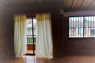 Casa en Rionegro, Laureles - 150mt, cuatro alcobas, balcon