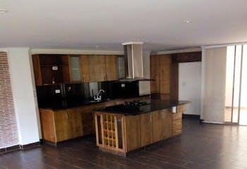 Casa en Aves María-Sabaneta, con 4 Habitaciones - 300 mt2.