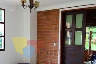 Casa en Vereda Las Lomitas-Sabaneta, con 4 Habitaciones - 280 mt2.