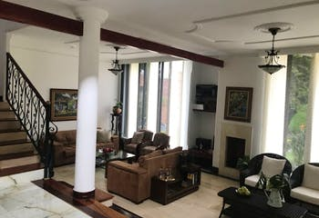 Casa en El Poblado-EL Tesoro, con 4 Habitaciones - 225 mt2.