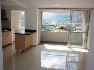 Una cocina con una ventana, un lavabo y una ventana en Cuarzo Tierra Firme