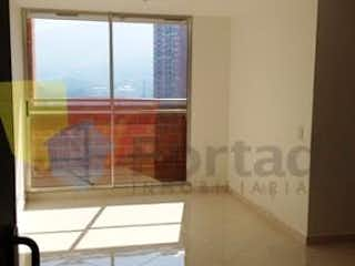 Una vista de una sala de estar con una ventana en Apartamento en Niquia, Bello - Tres alcobas
