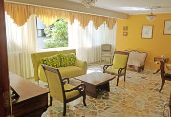 Apartamento en El Tesoro, Poblado - 153mt, tres alcobas, terraza