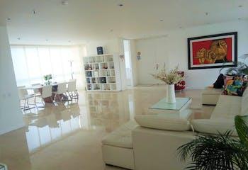 Apartamento en Los Balsos, Poblado - 302mt, cuatro alcobas, balcón