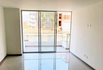 Apartamento en Conquistadores, Laureles - 102mt, tres alcobas, balcón