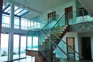 Casa en Niquia, Bello - 500mt, cuatro alcobas, jacuzzi