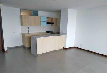 Apartamento en Los Balsos, Poblado - 103mt, tres alcobas, balcón