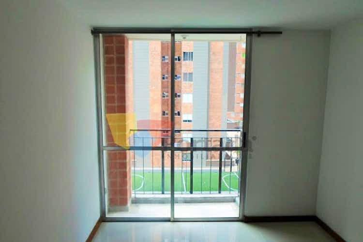 Portada Apartamento en Calle Larga-Sabaneta, con 3 Habitaciones - 55 mt2.
