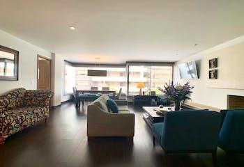 Apartamento remodelado en santa barbara central de 200m2