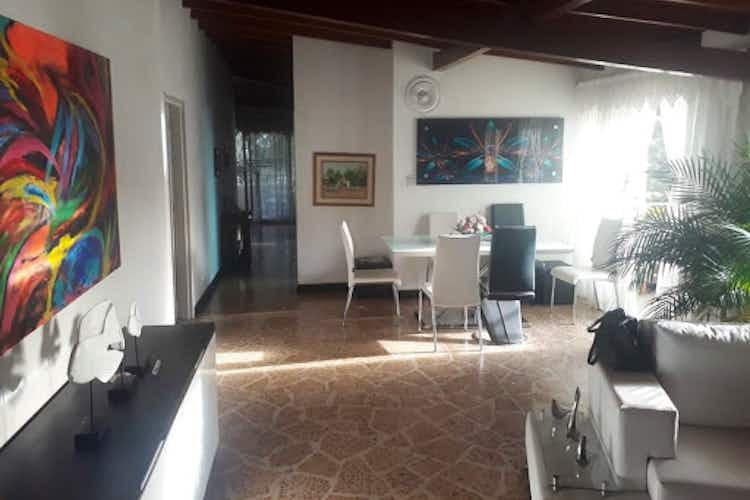Portada Apartamento en Laureles-Bolivariana, con 5 Habitaciones - 137 mt2.