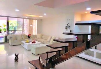 Casa de 300m2 en Sabaneta, sector Aves Marías - con cuatro habitaciones