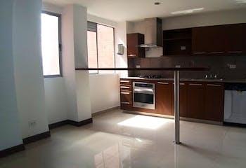Apartamento en La Loma del Escobero - Envigado, cuenta con tres habitaciones
