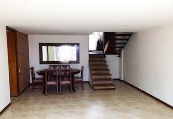 Casa en El Poblado-El Tesoro, con 4 Habitaciones - 194 mt2.