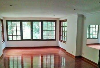 Casa 730 mts2-Ubicado en la candelaria-San Antonio,5 Habitaciones.