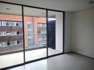 Una ventana que está en la esquina de una habitación en Apartamento 64 mts2-Ubicado en Rionegro-llano Grande,1 Habitacion