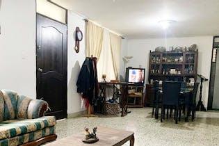 Casa 160 mts2-Ubicado en Laureles-La castellana,5 Habitaciones.