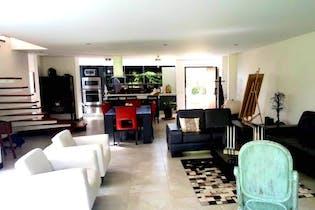 Casa 309 mts2-Ubicado en Llano Grande-Llano Grande,4 Habitaciones.