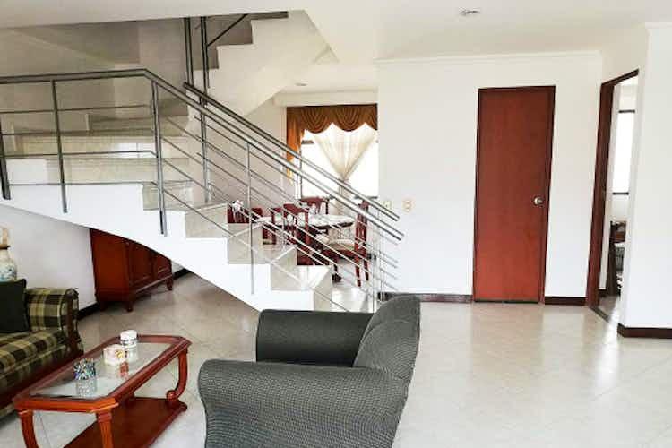 Portada Apartamento en El Estadio-Floresta, con 4 Habitaciones - 131 mt2.