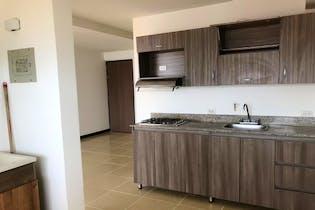 Apartamento en La Loma del Barro -Envigado, Con tres habitaciones