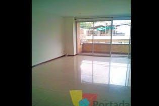 Apartamento en venta en Las Acacias con Balcón...