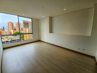 Una vista de una sala de estar con un gran ventanal en Regatta