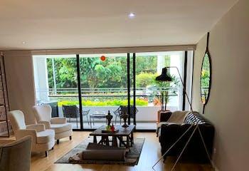 Apartamento en Loma del Escobero, Envigado - Tres alcobas
