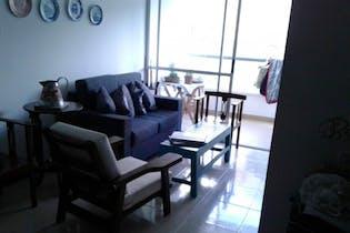 Apartamento en La Cuenca, Envigado - 74mt, tres alcobas, balcón