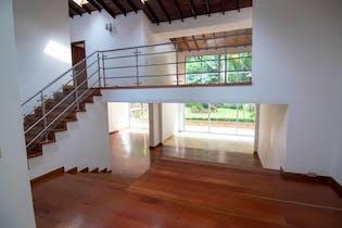 Casa en venta en Las Lomas 380m² con Jardín...