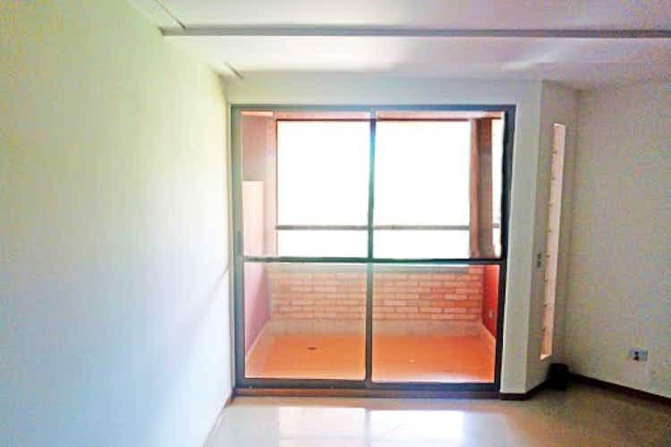 Portada Apartamento en El Carmelo, Sabaneta - 100mt, tres alcobas, balcón