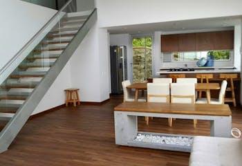 Casa en El Retiro, Antioquia - 248mt, cuatro alcobas, dos garajes