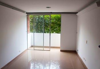 Apartamento en Loma de los Bernal, Belen - Tres alcobas