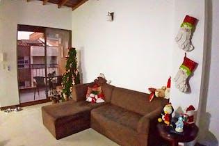Apartamento en Calle Larga, Sabaneta - 94mt, tres alcobas, balcón