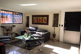 Apartamento 157 mt2, Ubicado en los colores,4 Habitaciones -1 Parqueadero-2 Baños