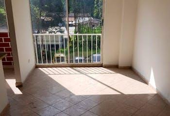 Apartamento en La Mina, Envigado - 85mt, tres alcobas, patio
