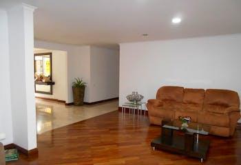 Apartamento en El Tesoro, Poblado - 271mt, tres alcobas, terraza