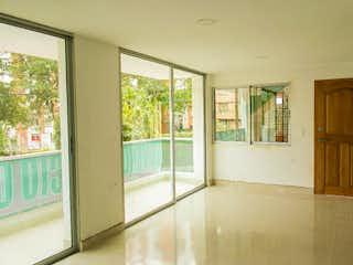 La vista de la cocina desde la ventana en Apartamento en Aliadas, Belen - 96mt, tres alcobas, balcón