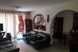 Casa en Robledo-Pilarica, con 4 Habitaciones - 130 mt2.