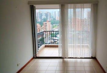 Apartamento en el Carmelo - Sabaneta, cuenta con tres habitaciones