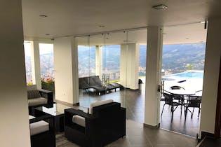 Casa en Loma del Barro, Envigado - 730mt, seis alcobas, piscina