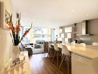 Una habitación llena de un montón de muebles blancos en EXCELENTE APARTAMENTO AUTOMATIZADO – VENTA – Cll 109 Cra13A – SANTA PAULA