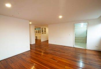 Apartamento En Bogota - Quinta Camacho, cuenta con tres habitaciones