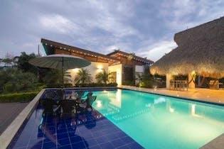 Finca en Santa Fe De Antioquia, con 4 habitaciones- 700m2.